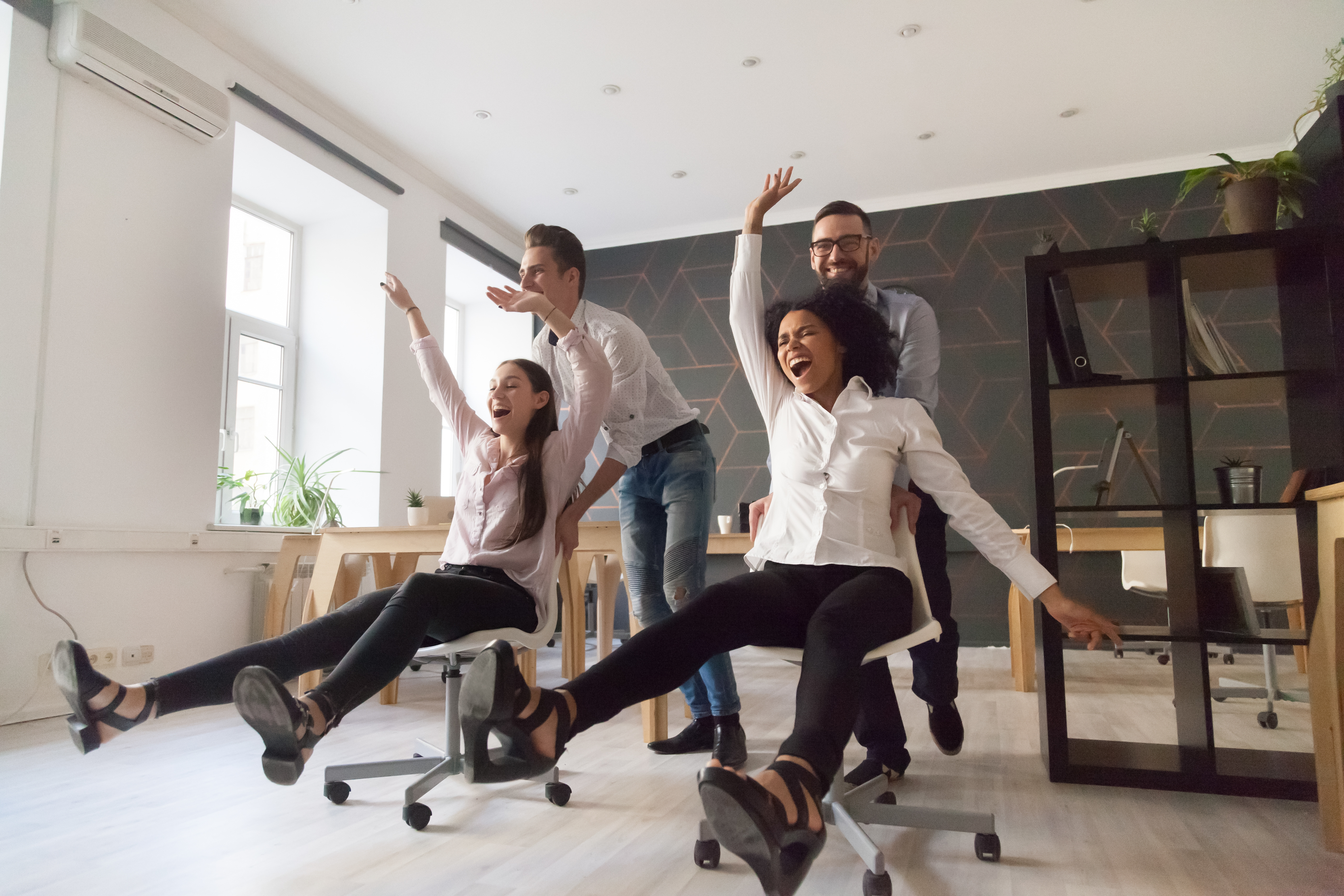 8 Funny Workplace Quotes to Lighten Up Your Office | FrankSMS